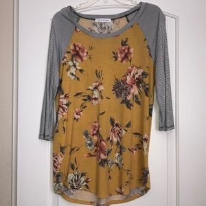 Tops - Floral extra soft shirt